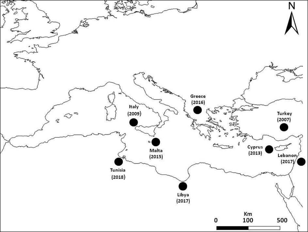 Dynamics Isola Della Scala distribution of caulerpa taxifolia var. distichophylla
